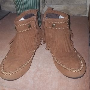 Hot cakes fringe ankle booties size 7